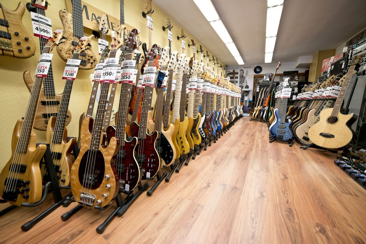 Our shop in Burgos, Spain. Packed with basses, basses and more basses